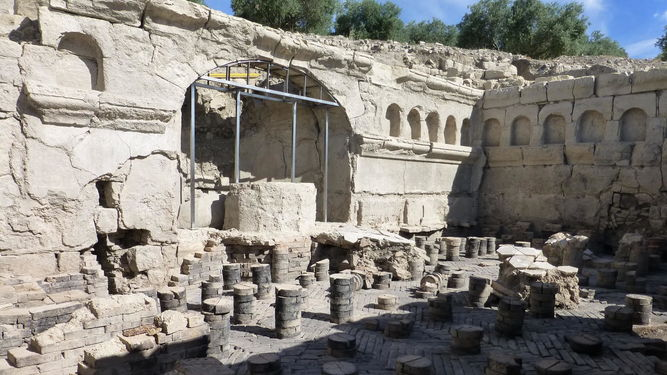 Termas orientales de origen romano descubiertas en el yacimiento. / S. NÚÑEZ